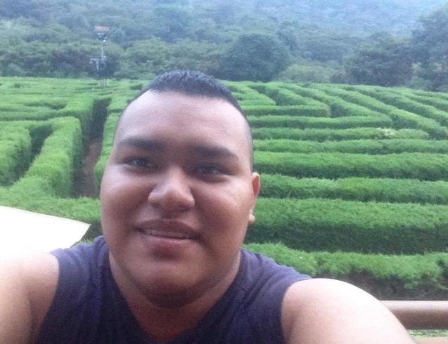 Busco pareja. Chico de 24 años busca chica en Salvador, Santa Ana