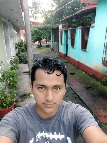 Busco pareja. Chico de 22 años busca chica en Guatemala, Mazatenango