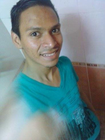 Busco pareja. Chico de 22 años busca chica en Salvador, San Miguel