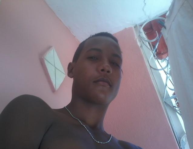 Busco pareja. Chico de 19 años busca chica en Cuba