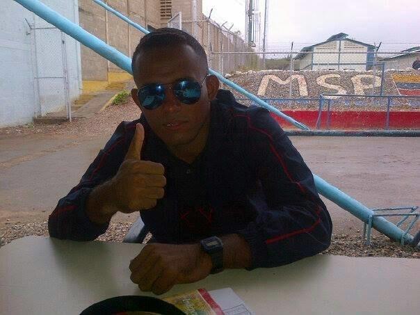 Busco pareja. Chico de 26 años busca chica en Venezuela, Maracaibo
