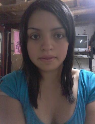 Busco pareja. Chica de 19 años busca chico en Ecuador, Cuenca