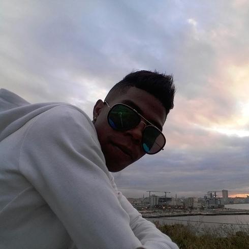 Busco pareja. Chico de 25 años busca chica en Cuba, La Habana