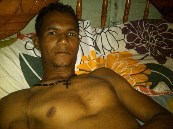 Hombre busca hombre en Contactos República Dominicana