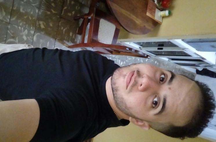 Busco pareja. Chico de 24 años busca chica en Cuba, Holguin