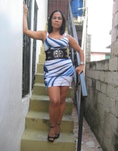Mujer busca hombre en Contactos Santiago