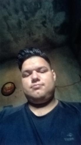 Busco pareja. Chico de 22 años busca chica en Argentina, Buenos Aires