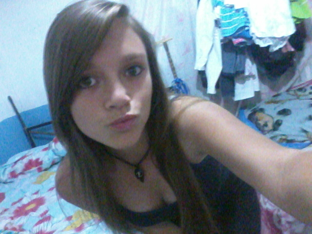 chica busca chico para chatear