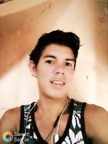 Busco pareja. Chico de 25 años busca chica en Ecuador, Esmeraldas