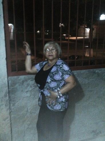 Mujer busca hombre en Contactos Valencia