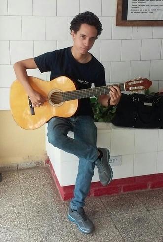 Busco pareja. Chico de 20 años busca chica en Cuba, Granma