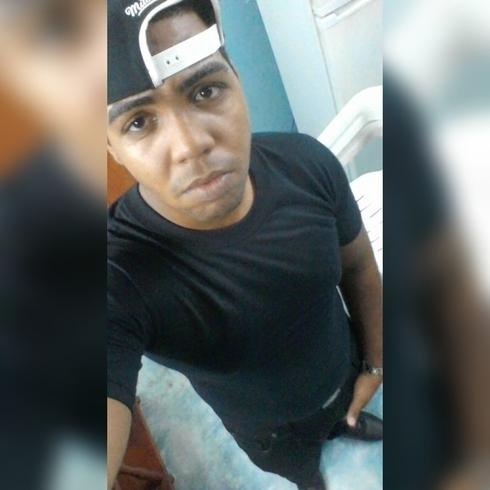 Busco pareja. Chico de 22 años busca chica en República Dominicana, Santo Domingo