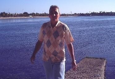 Busco pareja. Hombre de 48 años busca mujer en Islas Caimán, West Bay