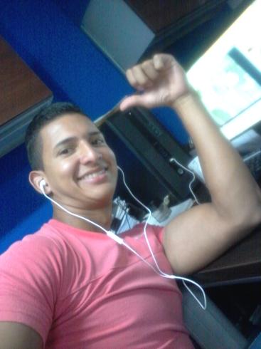 Busco pareja. Chico de 23 años busca chica en Panamá, Panama