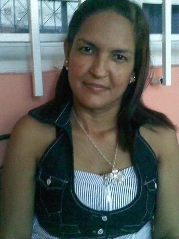 Busco pareja. Mujer de 36 años busca hombre en Макао, Valencia