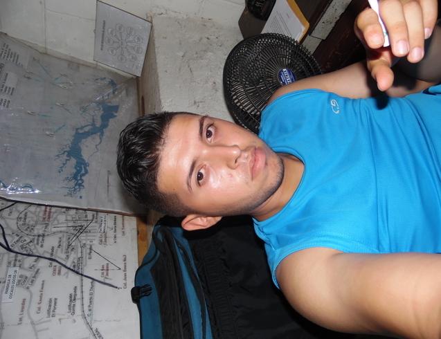 Busco pareja. Chico de 23 años busca chica en Salvador, Usulutan