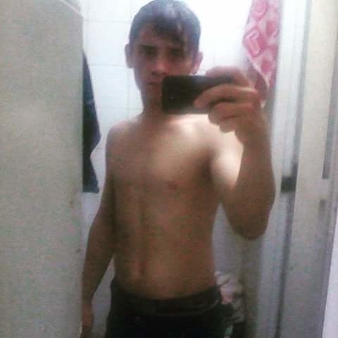 Busco pareja. Chico de 19 años busca chica en Estados Unidos de América, Buenos Aires