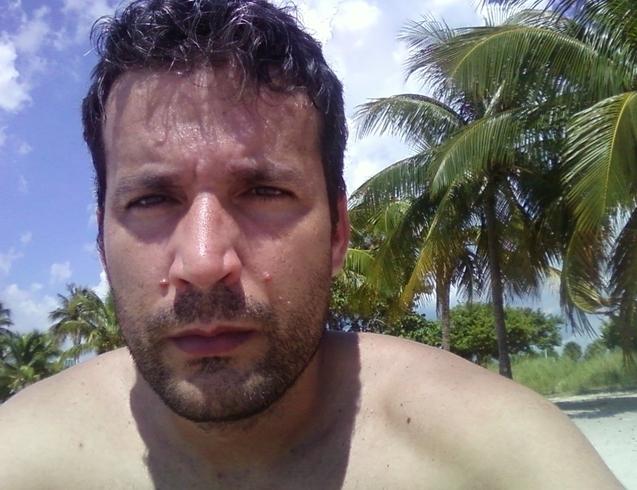 Busco pareja. Hombre de 40 años busca mujer en Estados Unidos de América, Miami