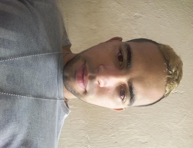 Busco pareja. Chico de 24 años busca chica en Colombia, Soledad