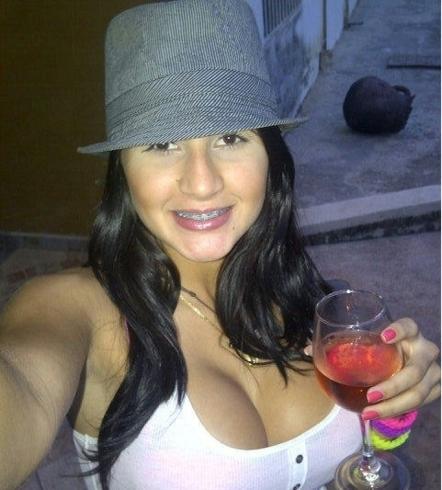 Busco pareja. Chica de 25 años busca chico en Colombia, Medellín