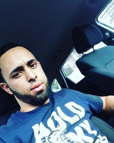 Busco pareja. Chico de 25 años busca chica