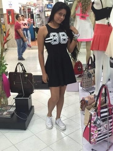 Busco pareja. Chica de 25 años busca chico en Estados Unidos de América, Chicago