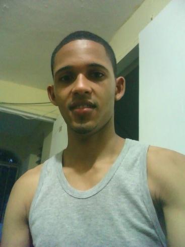 Busco pareja. Chico de 22 años busca chica en República Dominicana, Santiago
