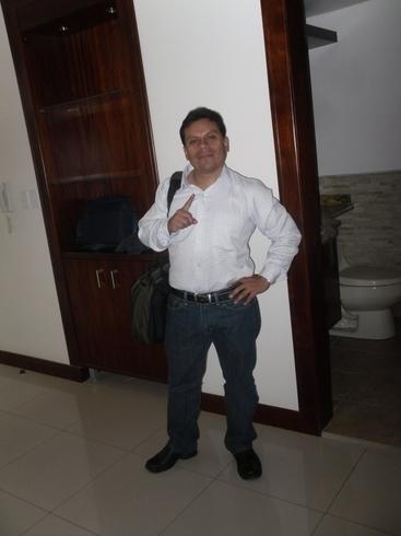 Busco pareja. Hombre de 41 años busca mujer en Ecuador, Quito