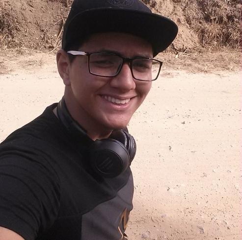 Busco pareja. Chico de 19 años busca chica en República Dominicana, Santiago