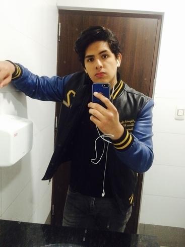 Busco pareja. Chico de 23 años busca chica en Perú, Lima