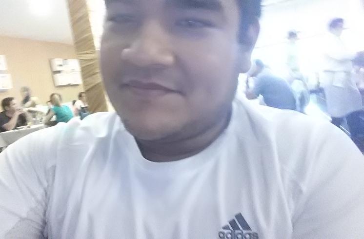 Busco pareja. Chico de 21 años busca chica en Paraguay, Luque