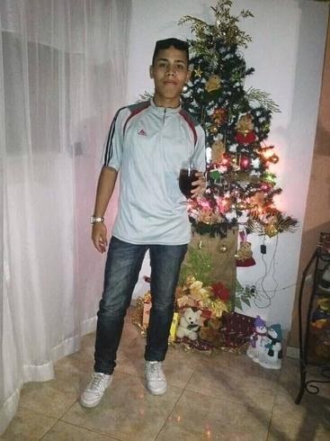 Busco pareja. Chico de 18 años busca chica en Venezuela, Caracas