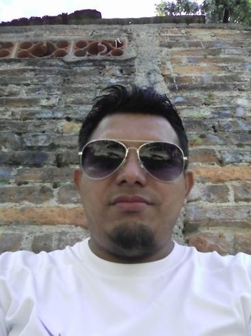 Busco pareja. Hombre de 33 años busca mujer