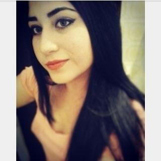 Busco pareja. Chica de 21 años busca chico en Venezuela, Lecheria
