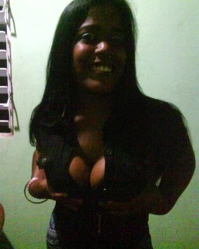 Busco pareja. Chica de 23 años busca chico en República Dominicana, Moca