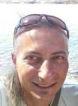 Hombre de 39 años busca mujer en Italia